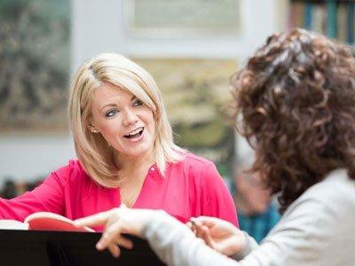 Kathryn Rudge talks to student